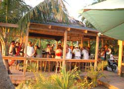 Roatan Honduras Shore Excursion | Internet Cafe in West End